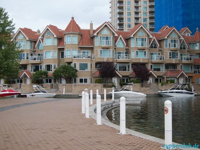 Häuser mit eigenem Bootsparkplatz in Kelowna